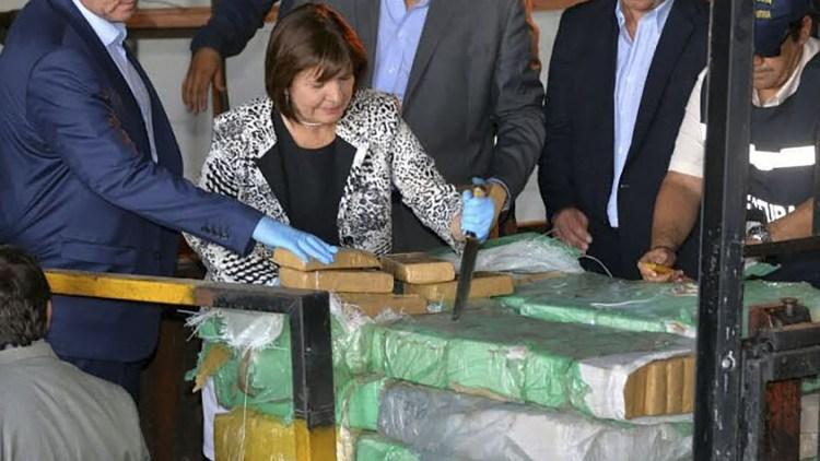 NATACHA JAITT Y LA NARCOCULTURA, POR CLAUDIA ACUÑA