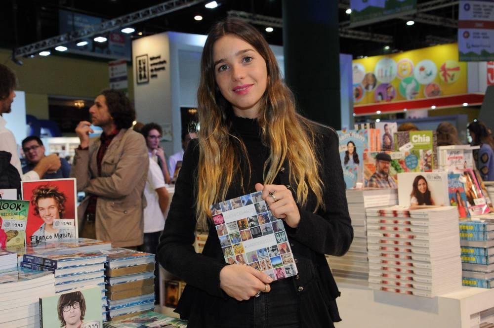 'EL LIBRO DE ESTILO DE LA IT GIRL, LUCÍA CELASCO YA COTIZA EN CALLE CORRIENTES 59 PESOS'