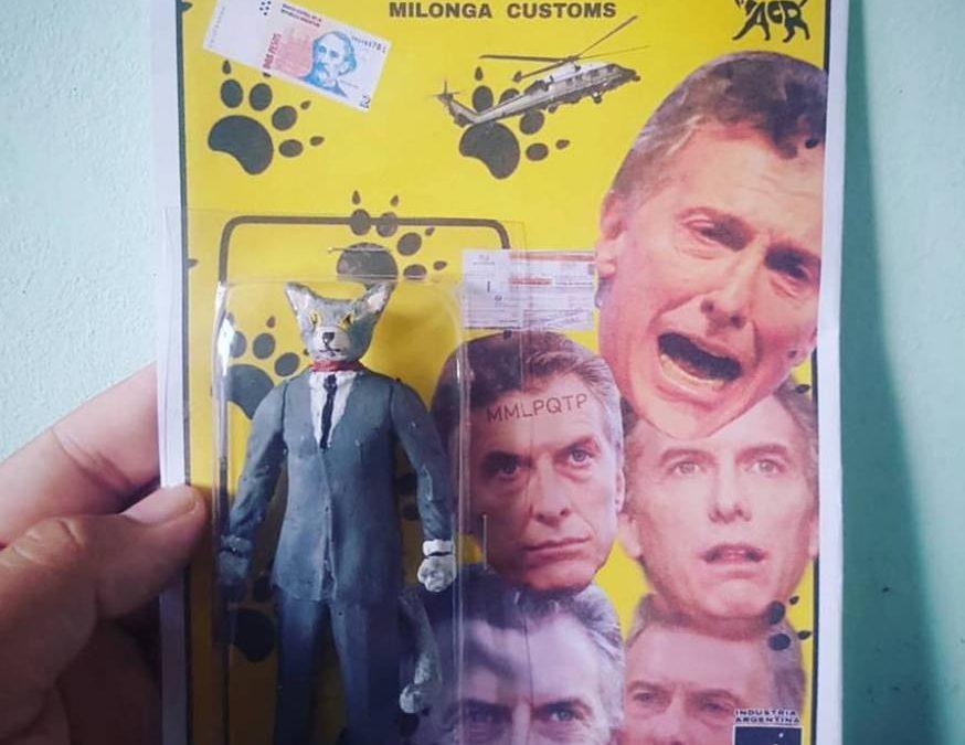 LLEGÓ EL MACRI CAT, EL MUÑECO AMARILLO