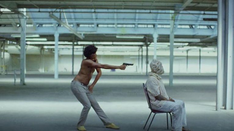 """""""EL VIDEO DE CHILDISH GAMBINO 'THIS IS AMERICA' ME PARECE LA CARA OPUESTA DE 'GOD CONTROL' DE MADONNA"""""""