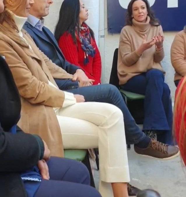 'LA PELOTUDA DE LA PRIMERA DAMA CON ZAPATILLAS STELLA MCCARTNEY EN UN EVENTO OFICIAL: UNA TARADA!'