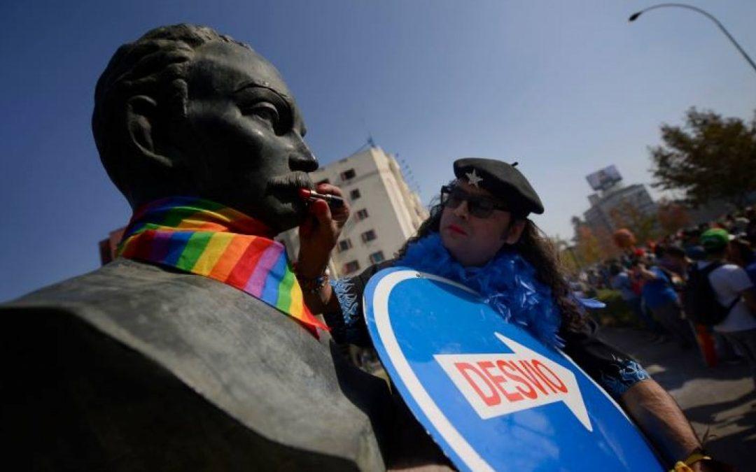 LA CAÑECHAT CON EL CHE DE LOS GAYS, Y LA PREGUNTA ES QUÉ ES SER HOMOSEXUAL HOY