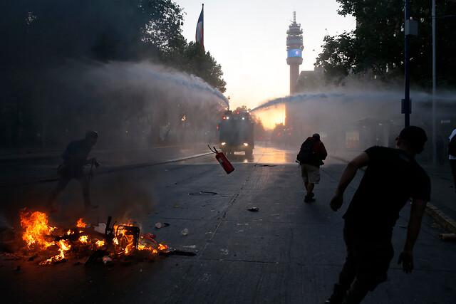 EL MERCURIO DE CHILE CONTRAATACA: 'NO CULPEN AL LIBREMERCADO DEL DESCONTENTO SUDAMERICANO'