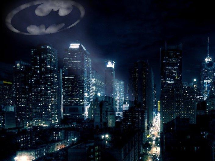 'BATMAN ES LO PEOR QUE LE PASÓ A CIUDAD GÓTICA, PORQUE EN EL FONDO NO ES MÁS QUE UN BLANCO CONSERVADOR PARAMILITAR'