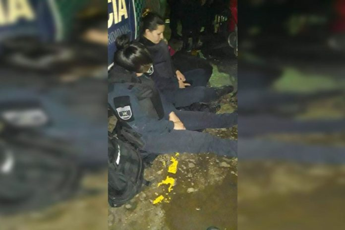 MUJERES POLICÍAS EN CONDICIONES INHUMANAS