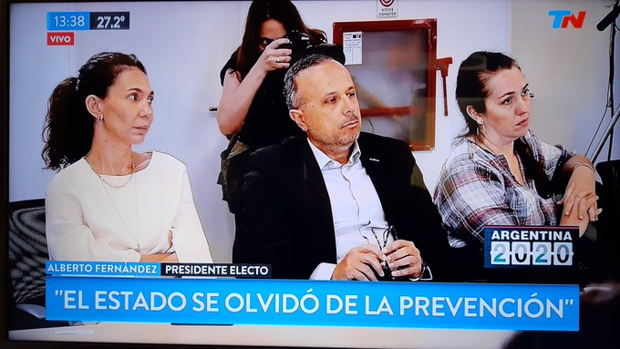 UNA EX DE EMPLEADA DE MARÍA CHER DICE: 'ME HACÍAN MENTIRLE A LA AFIP, NO HACÍAN LOS APORTES Y AHORA ALBERTO FERNANDEZ LA INVITA A LUCHAR CONTRA EL HAMBRE?'